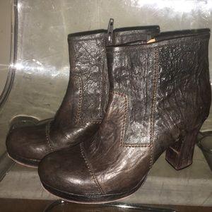 Calleen Cordero Size 8 Brown Booties